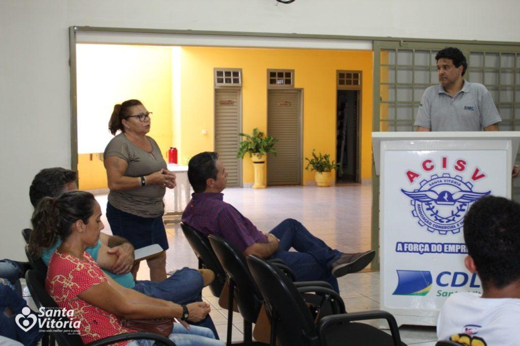Santa Vitória realiza reunião com produtores e empreendedores para apresentação do SIMC